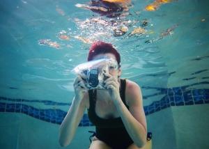 CJ underwater holga